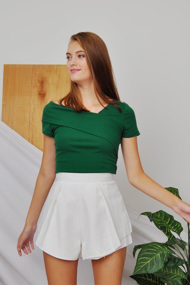 Phoebe Side Pleat Shorts Ivory
