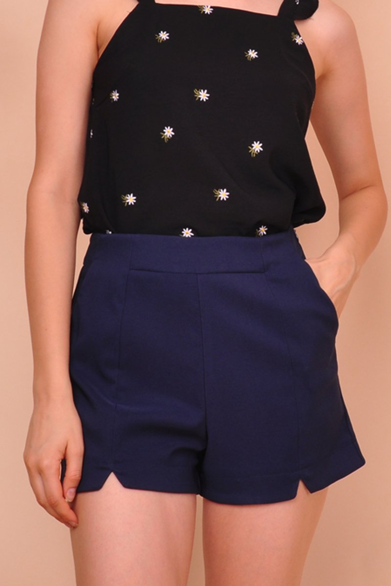 Nixie Cut-Out Shorts Midnight