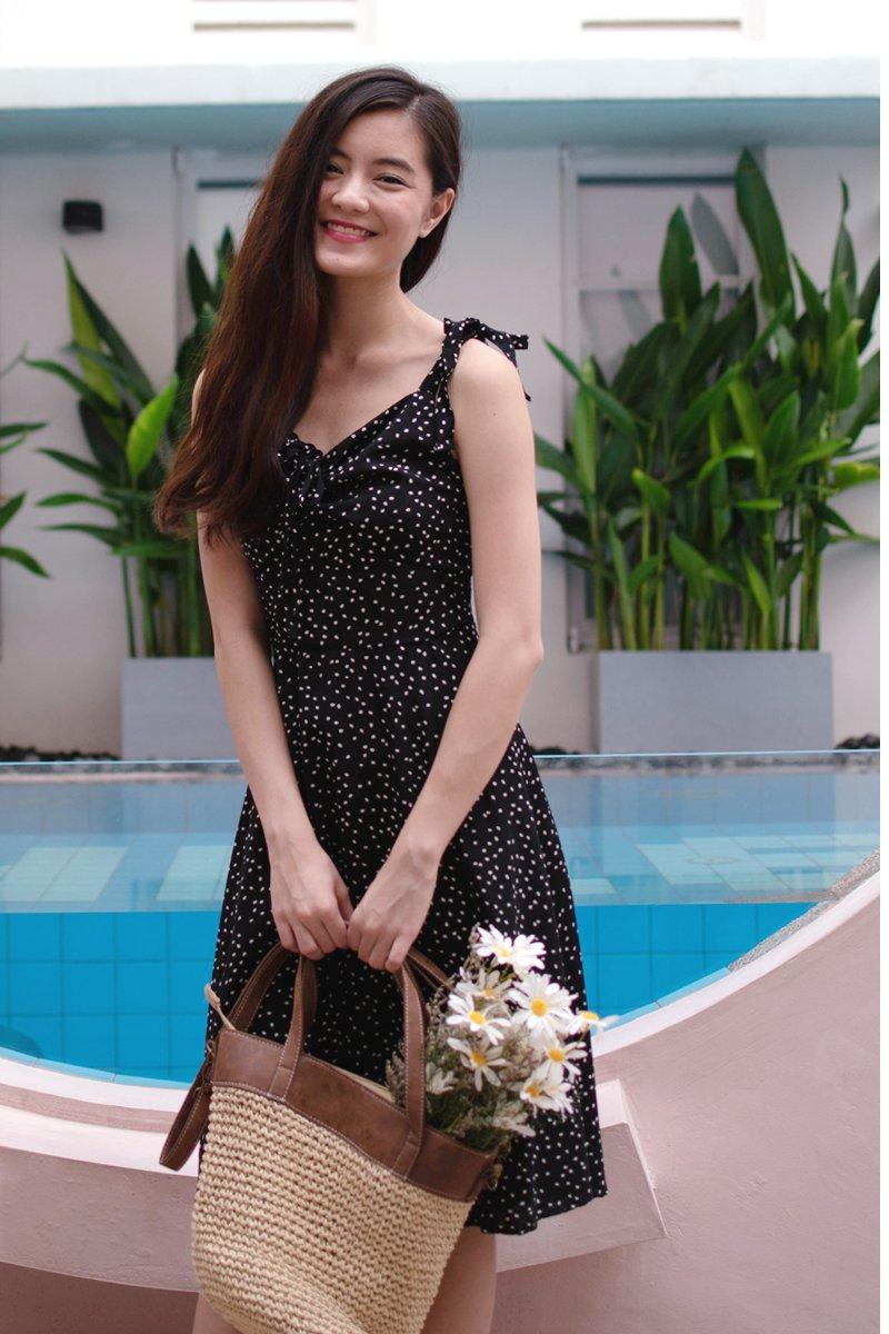 Loreta Petals Ruched Dress Black