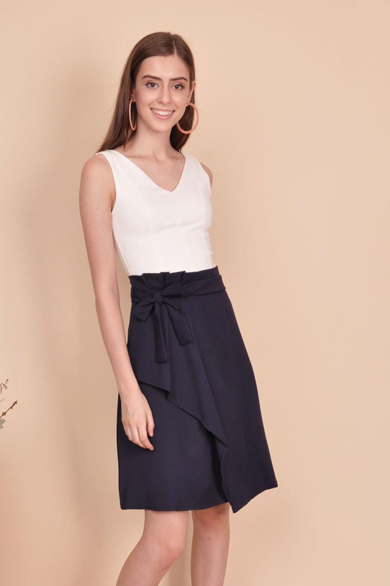Pernella Overlap Paperbag Skirt Midnight