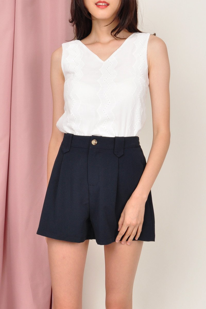 Halston Classic Pleated Shorts Midnight