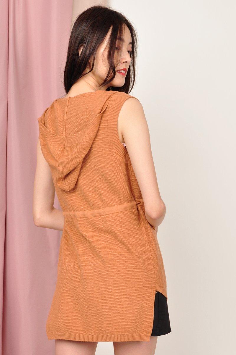 Brygid Front Pocket Knit Vest Caramel