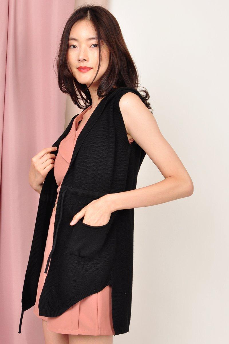 Brygid Front Pocket Knit Vest Black