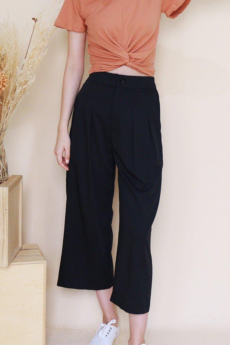 Reverie Wide Leg Pleated Pants Black
