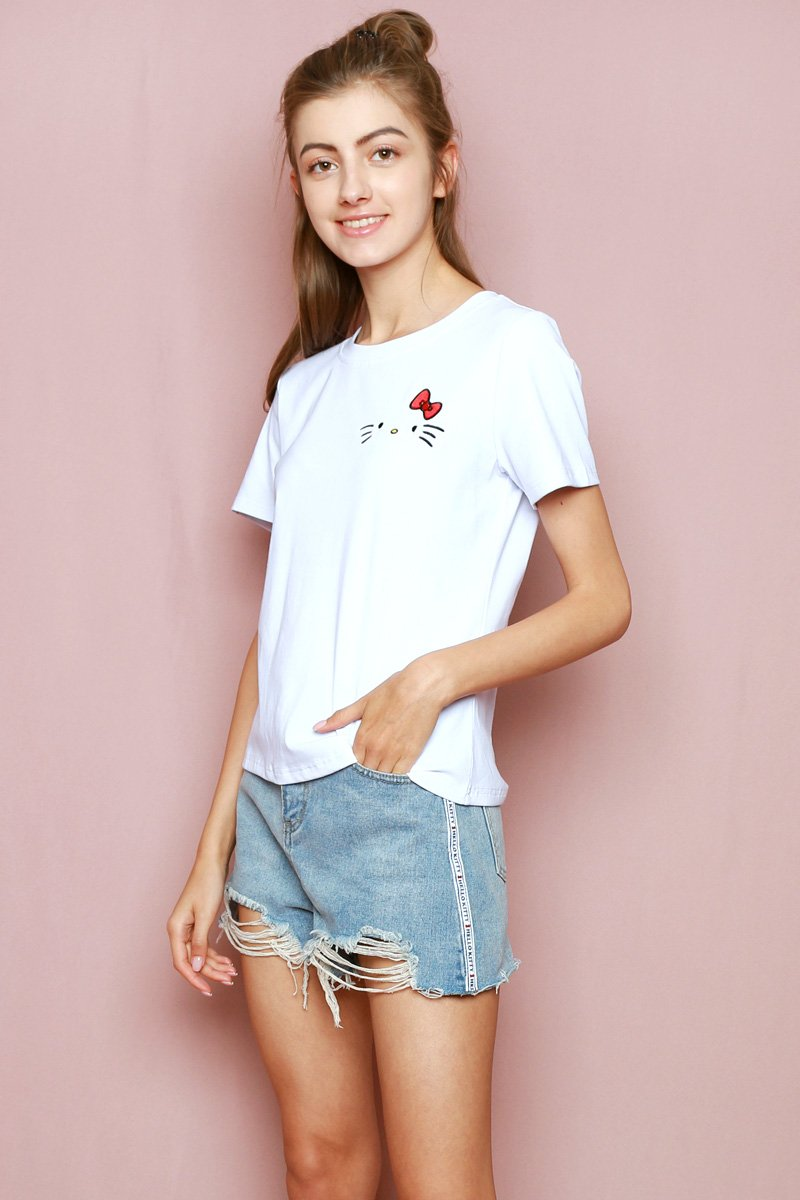 Hello Kitty Embroidered T-Shirt Ivory