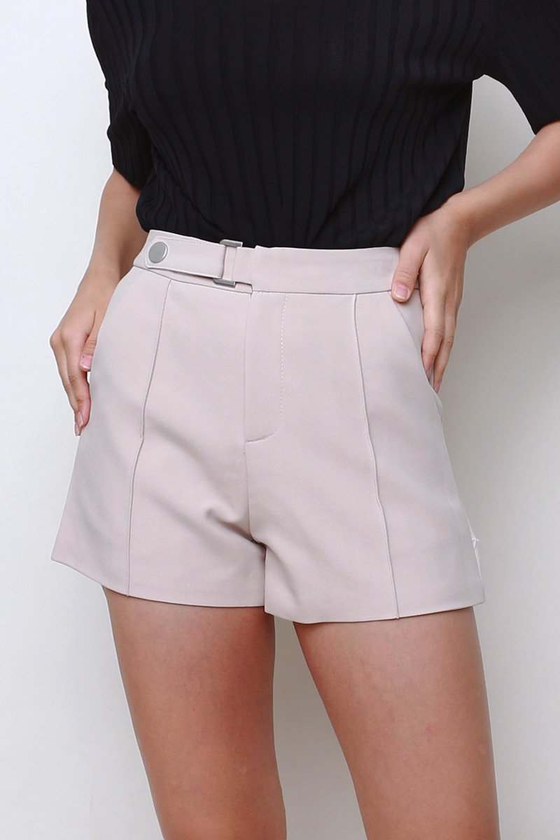 Geneva Buckle Shorts Sand