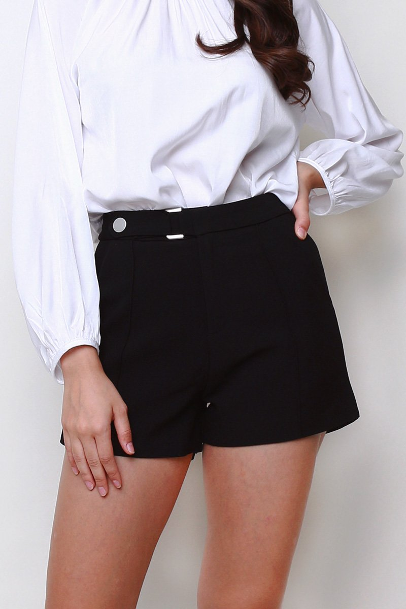 Geneva Buckle Shorts Black