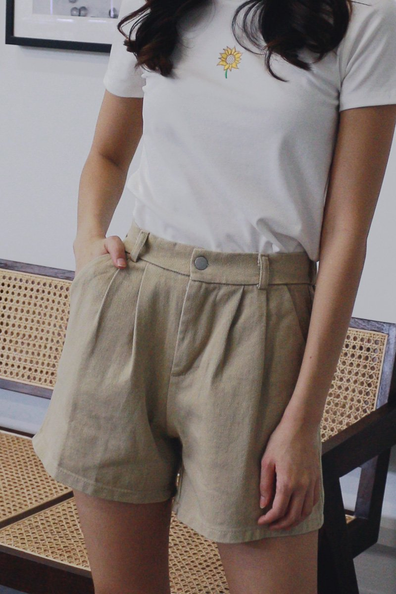 Poe Pleated Denim Shorts Khaki