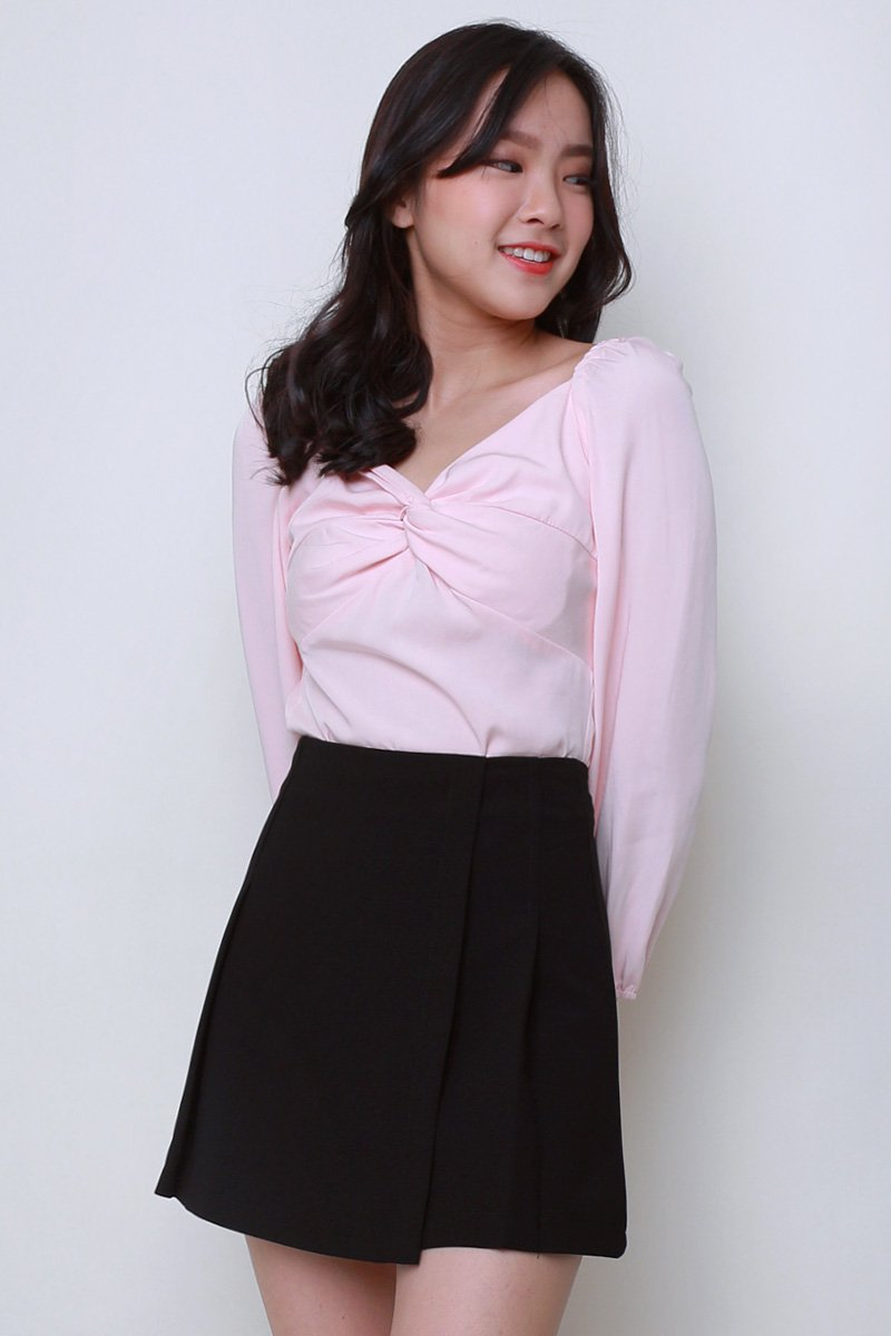 Sher Twist Front Puff Sleeve Top Blush
