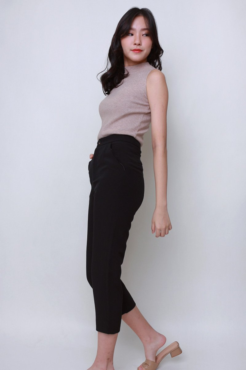 Desi Scallop Trim Tailored Pants Black