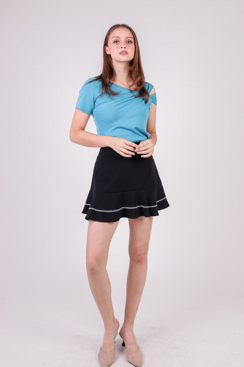 Edlyn Contrast Stitch Hem Skirt Black