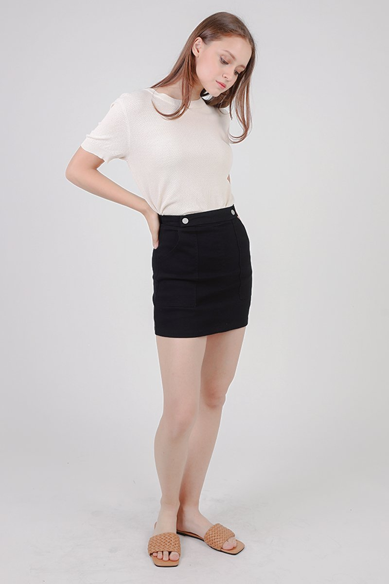 Darla Buttoned Front A-line Skirt Black