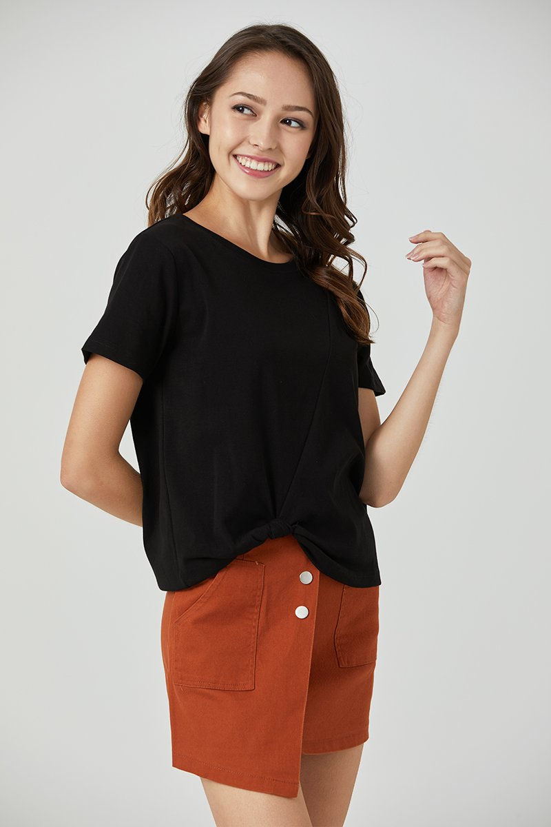 Jennis Front Knot Basic Top Black