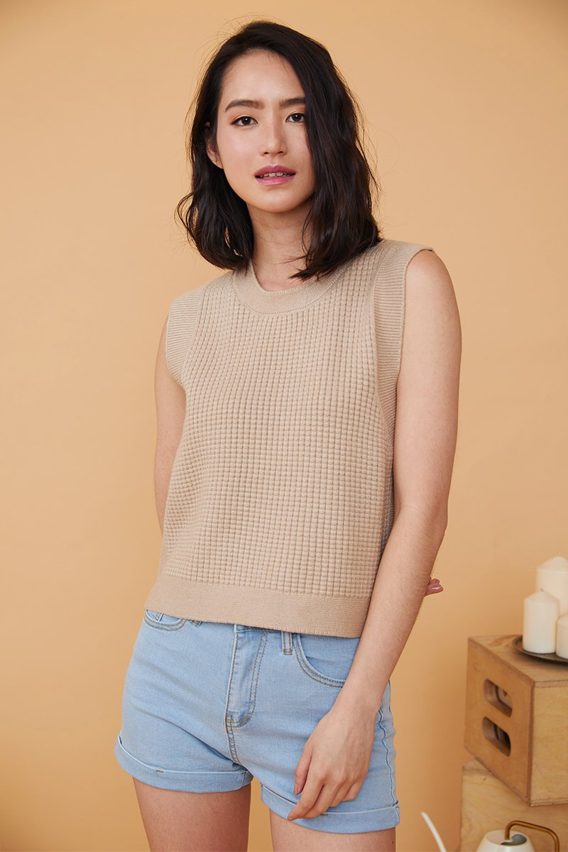Monica Sleeveless Knitted Top Nude