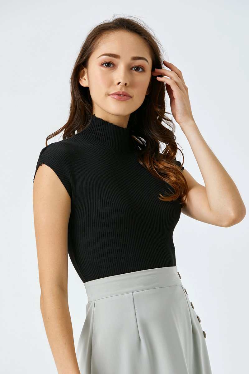Gillian Cap Sleeve Knit Top Black